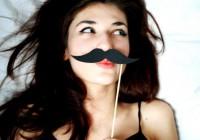Як прибрати вусики над губою?