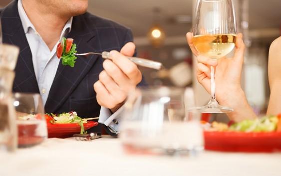 Романтична вечеря на День Святого Валентина. Частина 1. Як себе подати